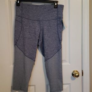 NWT CHAMPION STUDIO FIT CAPRI LEGGINGS
